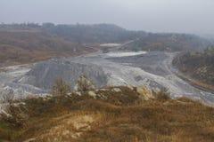 Карьер глины в тумане Стоковое Фото