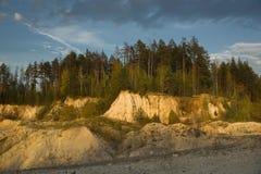Карьер песка лета покинутый ландшафтом Стоковые Изображения