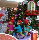 Карлики и рождественская елка Стоковая Фотография