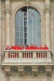 Кардиналы на балконе базилики St Peter. Стоковая Фотография