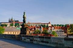 Карлов мост и замок Праги в чехии Праги на e Стоковые Фото