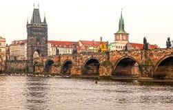 Карлов мост, старый городок, Прага (ЮНЕСКО), чехия Стоковое Фото