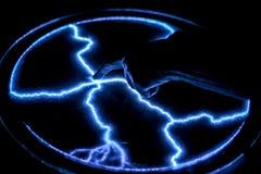 Касайтесь пальцу к лампе газ-разрядки Стоковая Фотография