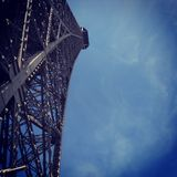 Касатьться небу Стоковое Фото