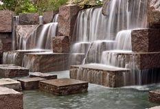 каскадируя водопады мемориала fdr стоковые изображения rf