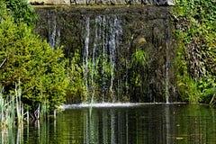 Каскад между озером восьмиугольник и озером 11 акр стоковые фотографии rf