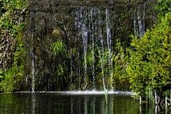 Каскад между озером восьмиугольник и озером 11 акр стоковое фото