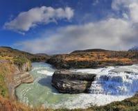 Каскадируя водопад - в Патагонии. Стоковые Фото
