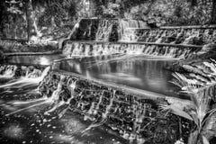 Каскадируя водопад на Сан Антонио Riverwalk Стоковое Изображение