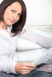 Кассета чтения женщины Стоковое фото RF