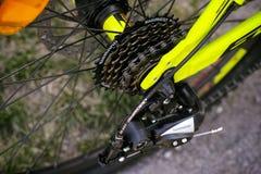 Кассета шестерни Shimano на заднем колесе велосипеда Стоковые Фото