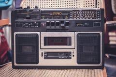 Кассетный магнитофон/тональнозвуковой игрок - радио 80s стоковое фото rf