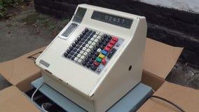 Кассовый аппарат старого стиля акции видеоматериалы