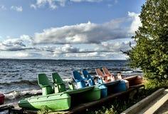 Катамараны озера удовольстви стоковые фото