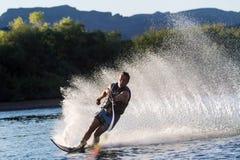 Катание на водных лыжах в Parker Аризоне Стоковая Фотография