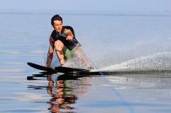 Катание на водных лыжах стоковое фото