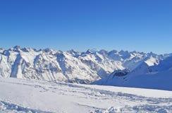 катание на лыжах курорта установки dombai caucasus Стоковая Фотография