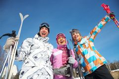 катание на лыжах людей Стоковое Изображение