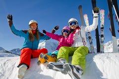 Катание на лыжах, потеха зимы стоковое изображение rf