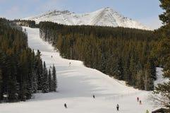 Катание на лыжах склоняет в страну Kananaskis, Альберту, Канаду Стоковое Изображение