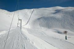 Катание на лыжах склоняет солнечная погода Стоковые Фото