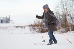 катание на лыжах страны перекрестное наслаждаясь Стоковое Фото