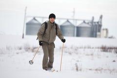 катание на лыжах страны перекрестное наслаждаясь Стоковая Фотография