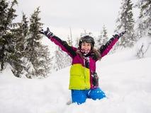 Катание на лыжах девочка-подростка Стоковое Изображение RF