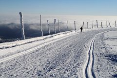 Катание на лыжах по пересеченной местностей на горе Praded Стоковое Фото