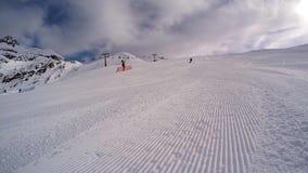 катание на лыжах акции видеоматериалы