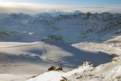 Катание на лыжах Cervinia и Zermatt, высокий взгляд Стоковые Фото