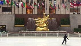 кататься на коньках катка льда видеоматериал