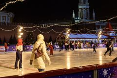 Кататься на коньках на катке на красной площади Стоковые Фотографии RF
