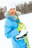 кататься на коньках льда девушки идя к Стоковое Изображение