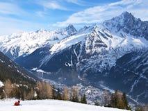 Кататься на лыжах в французском альп Стоковые Фотографии RF