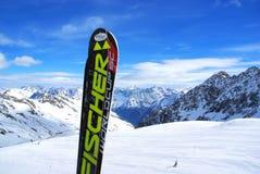 Кататься на лыжах в Альпах Стоковые Фотографии RF
