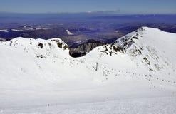 Кататься на лыжах в горах Tatra в Польше Стоковые Фото