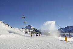 Кататься на лыжах в Ischgl Декабрь 2013 стоковое изображение