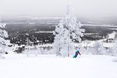 Кататься на лыжах над Полярным кругом Стоковые Фотографии RF