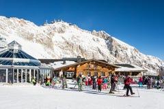 Кататься на лыжах на Zugspitze Стоковые Изображения