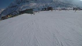 Кататься на лыжах через глаза лыжника видеоматериал