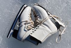катаются на коньках женщины Стоковая Фотография RF