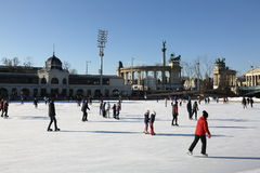 Катающся на коньках в mujegpalya varosligeti, Будапешт, Венгрия, 2016 Стоковое фото RF