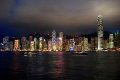 Категории города: Ноча гавани Гонконга Виктории Стоковое Изображение