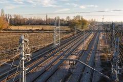 катенарный поезд следов железной дороги Стоковая Фотография RF