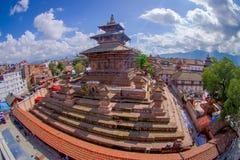 КАТМАНДУ, НЕПАЛ 15-ОЕ ОКТЯБРЯ 2017: Вид с воздуха квадрата Durbar около старых индийских висков в Katmandu, влияние глаза рыб Стоковое Изображение