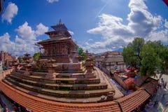 КАТМАНДУ, НЕПАЛ 15-ОЕ ОКТЯБРЯ 2017: Вид с воздуха квадрата Durbar около старых индийских висков в Katmandu, влияние глаза рыб Стоковая Фотография