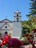 Католическая церковь и полет в Санта-Барбара стоковая фотография rf