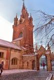 Католическая церковь St Anne в Вильнюсе - католическая церковь, monu Стоковые Изображения