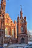 Католическая церковь St Anne в Вильнюсе - католическая церковь, monu Стоковая Фотография RF